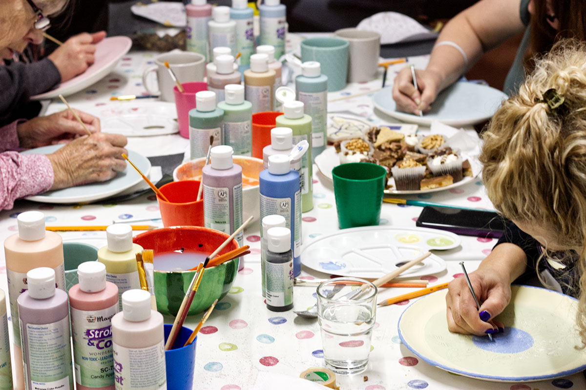 hen-parties-pottery-painting-kilkenny